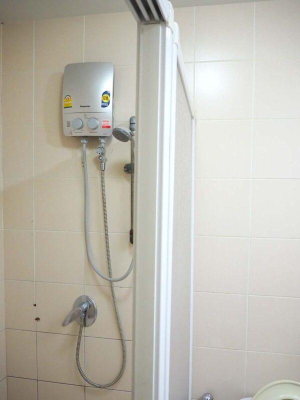 วิลมอร์ คอนโด ใกล้ BTS เสนา มีเครื่องทำน้ำอุ่น พร้อมใช้งาน