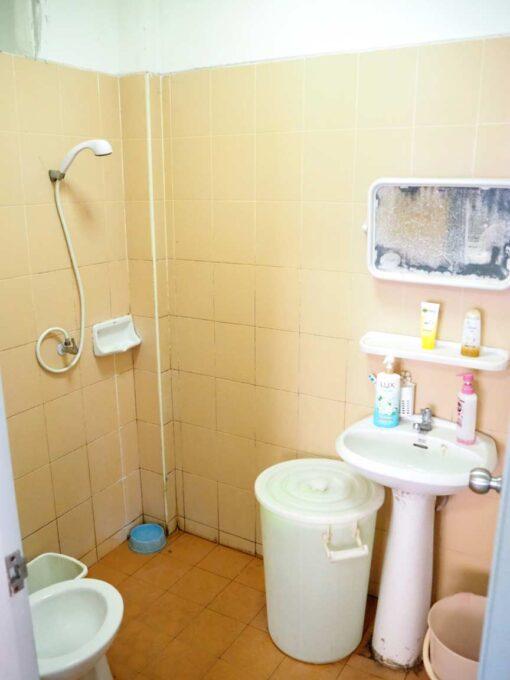 หมู่บ้าน มณฑล 6 ห้องน้ำชั้นล่าง