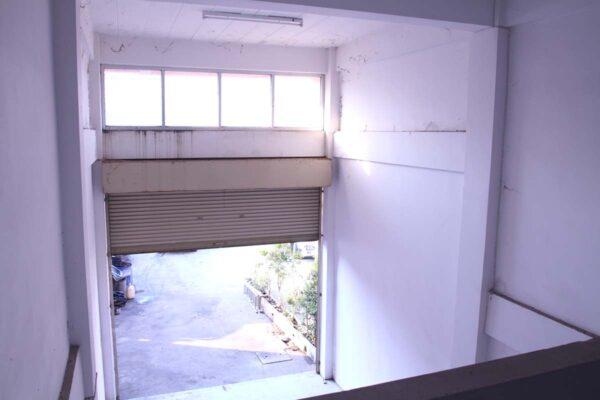ขายอาคารพาณิชย์ 3 ชั้นครึ่ง ใกล้นิคมโรจนะ