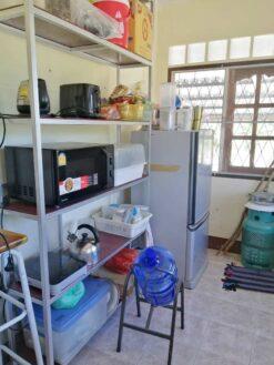 ขายบ้านพร้อมที่ดิน สุพรรณบุรี ต่อเติมครัวเรียบร้อย