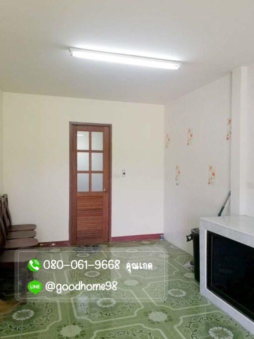 ขายบ้านพร้อมที่ดิน สุพรรณบุรี 300 ตรว. บ้านเดี่ยวมือสอง ห้องครัว เคาเตอร์ครัว ซิ้งค์ล้างจาน หลังบ้าน