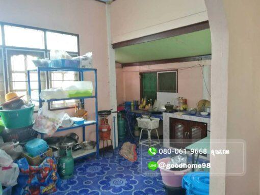ขายบ้านพร้อมที่ดิน สุพรรณบุรี อู่ทอง 194.5 ตรว. ใกล้ถนนมาลัยแมน ห้องครัว เคาเตอร์บิ้วอิน