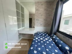 ทาวน์โฮมใกล้ รถไฟฟ้า บ้านกลางเมือง รัตนาธิเบศร์ ห้องนอนพร้อมแอร์